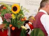 Schwarz-Teamhaus-Eröffnung