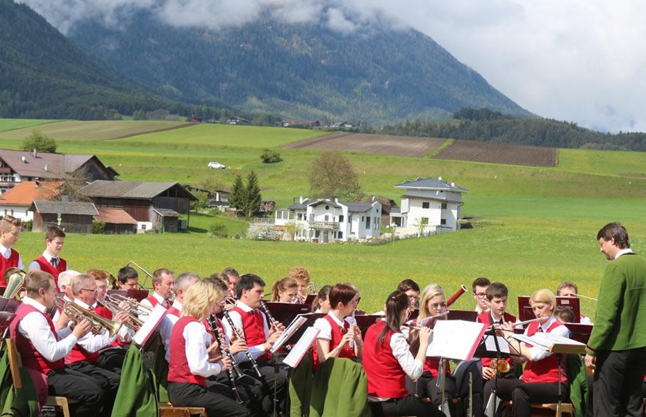 Maifest 2014 in Mieming-See - Frühschoppenkonzert zum Auftakt, Foto: Knut Kuckel